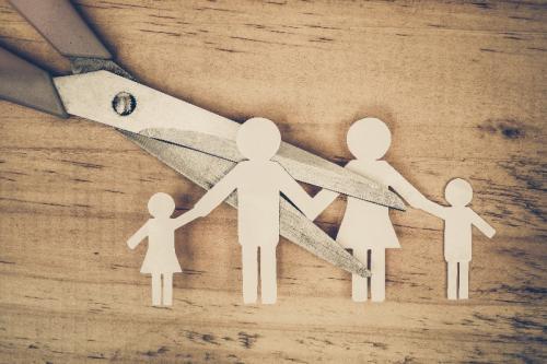 Le déménagement de l'enfant de parents séparés ne peut se faire sans information de l'autre parent